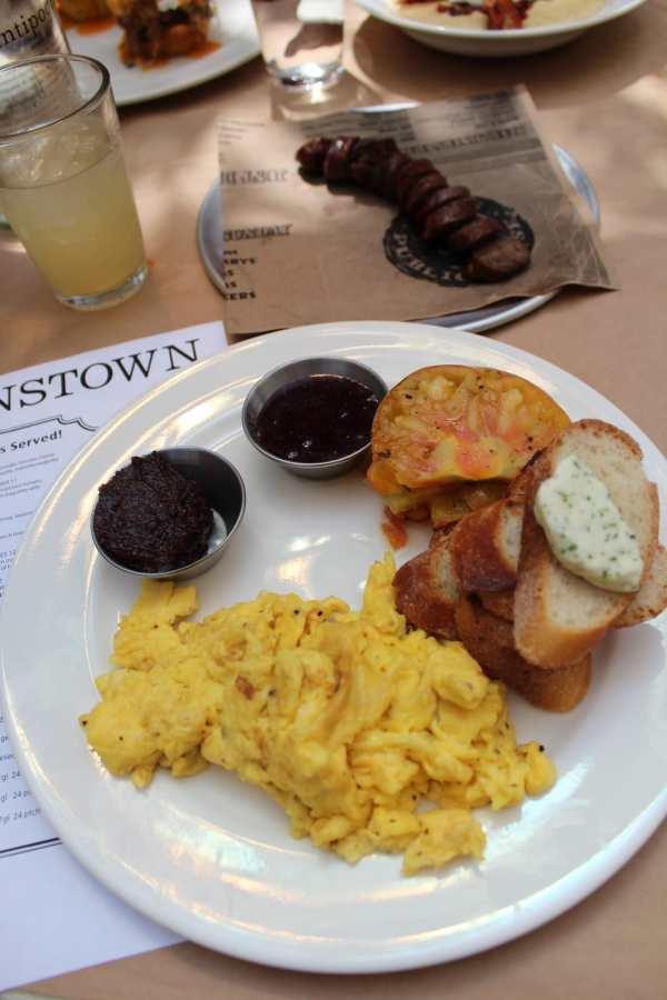 Queenstown Street Farmer Breakfast