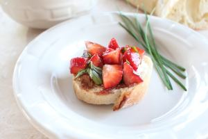 Simple Strawberry Bruschetta Recipe