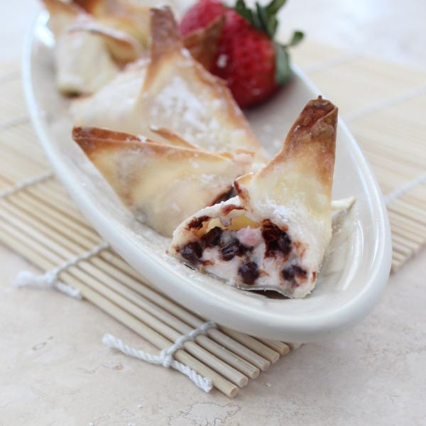 Strawberry Chocolate Chip Cheesecake Wontons