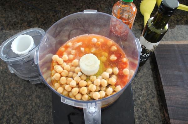 Sriracha Hummus Recipe