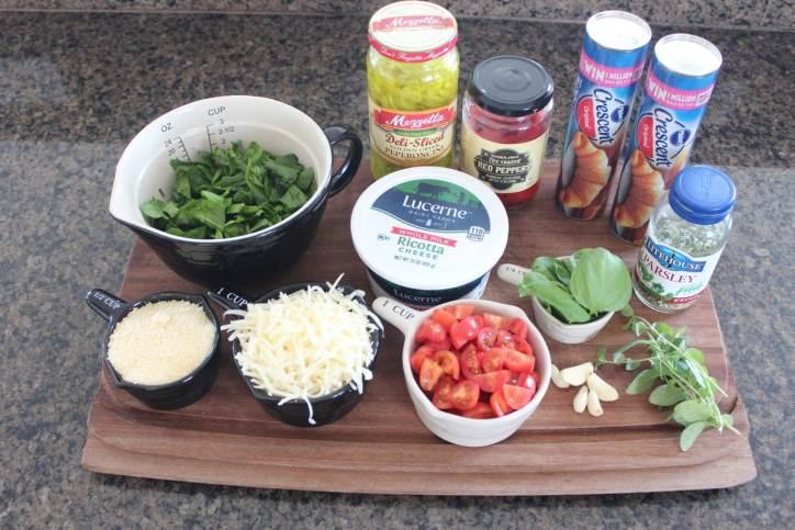 Cheesy Veggie Pizza Rolls Ingredients