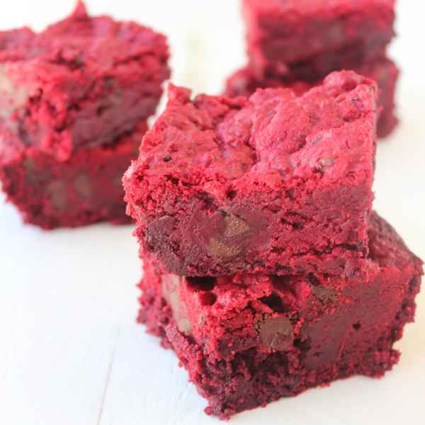 Red Velvet Chocolate Chip Brookies