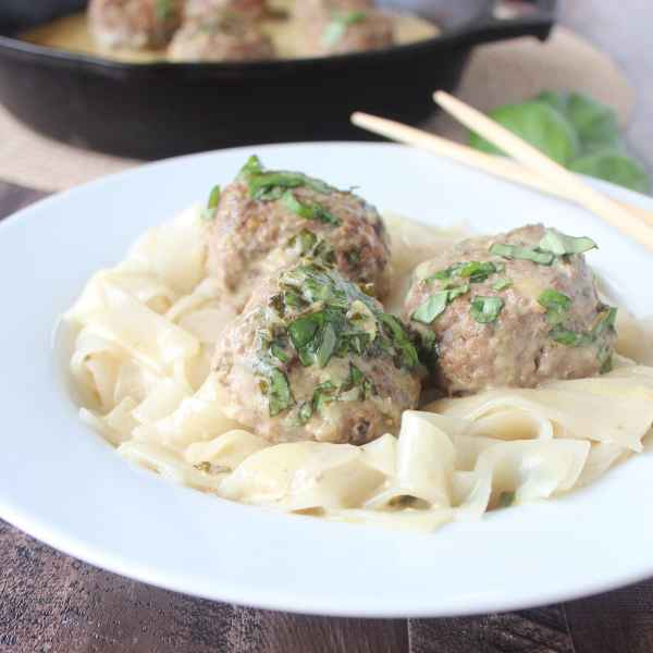 Asian Meatballs in Thai Green Curry Sauce