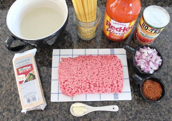 One Pot Buffalo Taco Spaghetti Recipe Ingredients