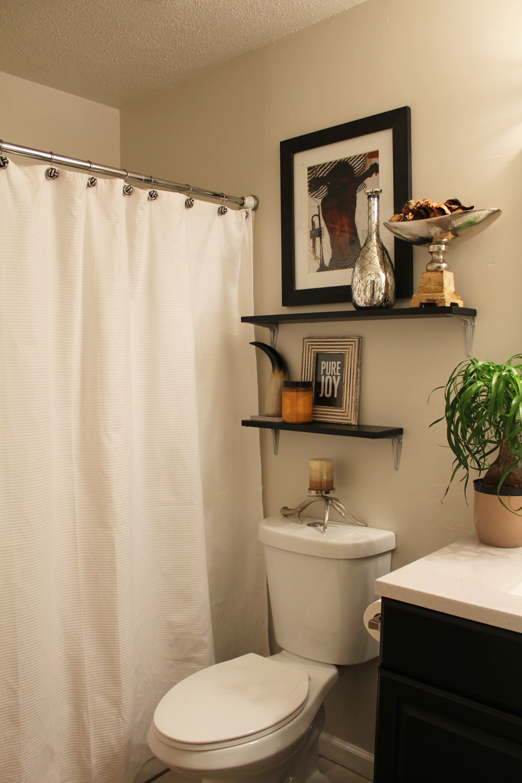 eclectic guest bathroom