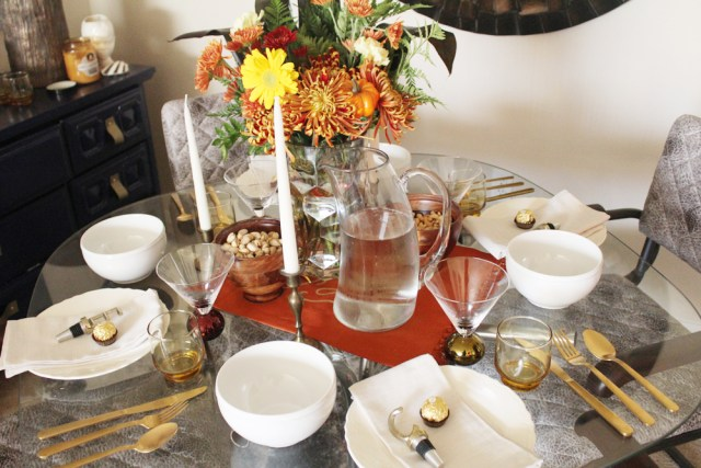 last minute thanksgiving tablescape ideas | Thanksgiving decor | Thanksgiving holiday party | Thanksgiving party | Friendsgiving party