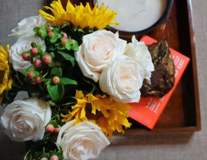 sunday's best | whitney j decor blog | fall floral arrangements | fall floral blooms | roses | sunflowers