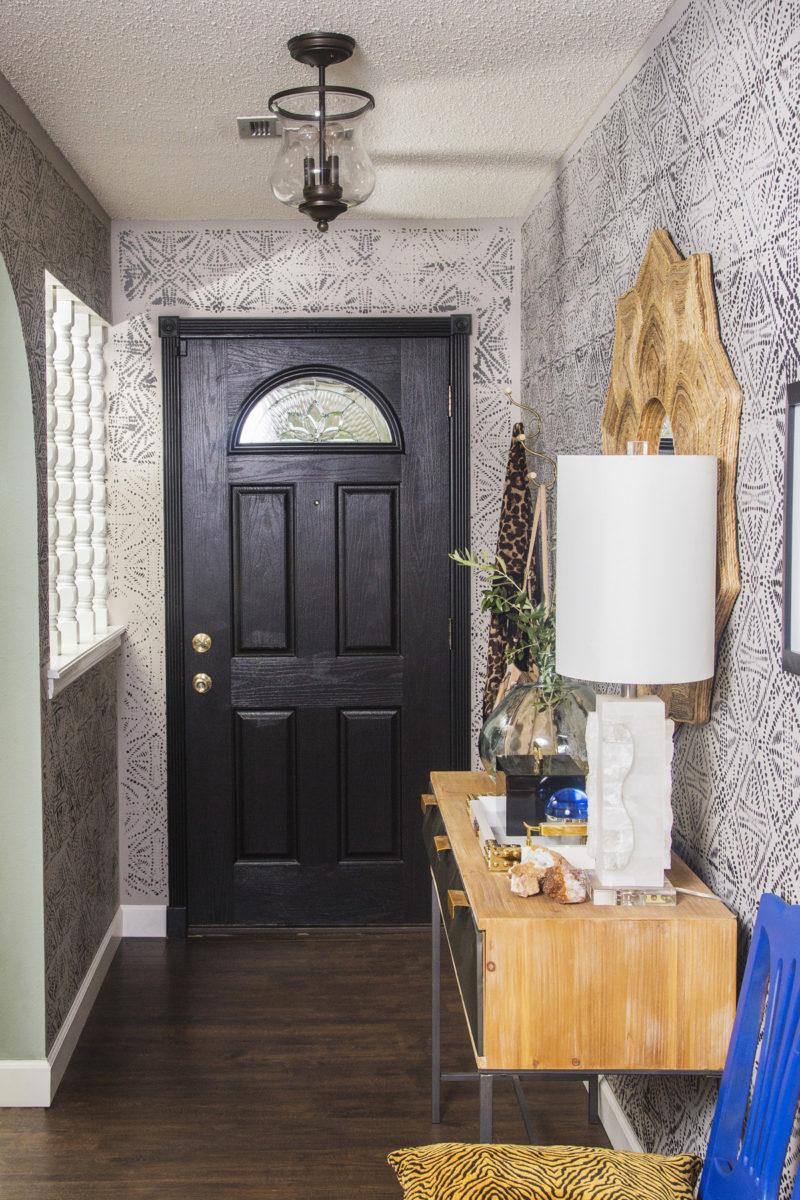 eclectic entryway | eclectic hallway