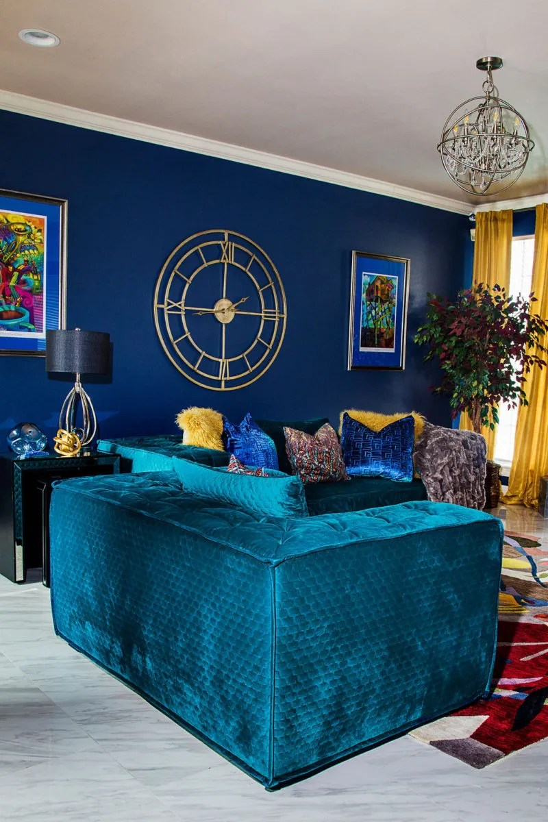 green sofa blue walls