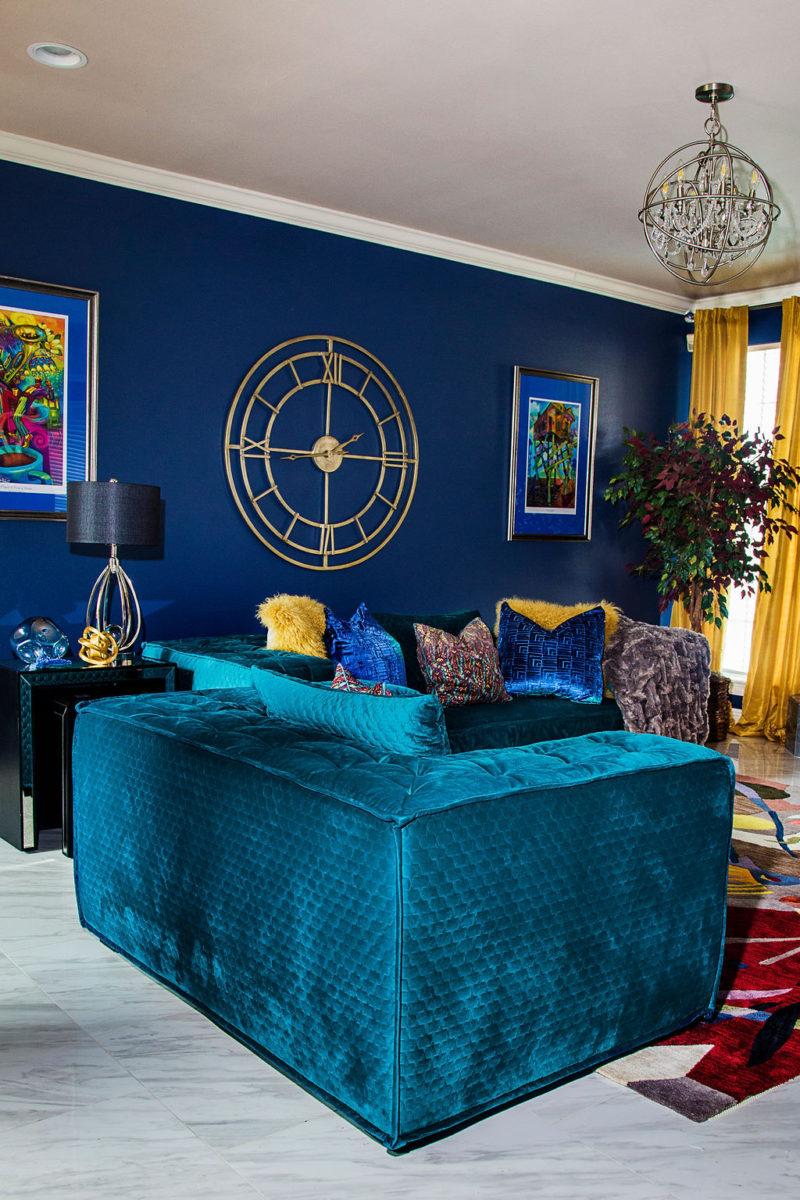 green sofa blue walls