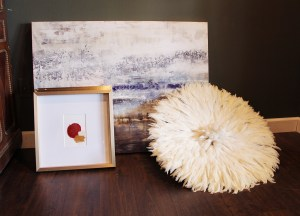art options to use for styling around a vintage piano