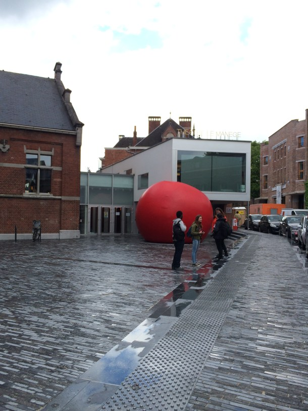 Mons, Belgium during #eMOOCs: Finding the big red ball