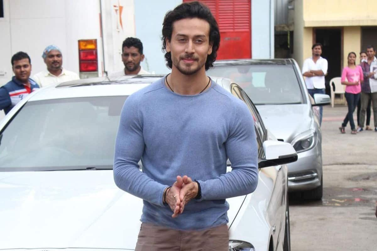 Tiger-Shroff-At-The-20th-Year-Celebration-Of-Lifestyle
