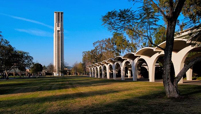 美國越來越多大學開始重視社會流動、公共服務、與教學研究的均衡發展。圖為本文作者就讀的加州大學河濱分校。