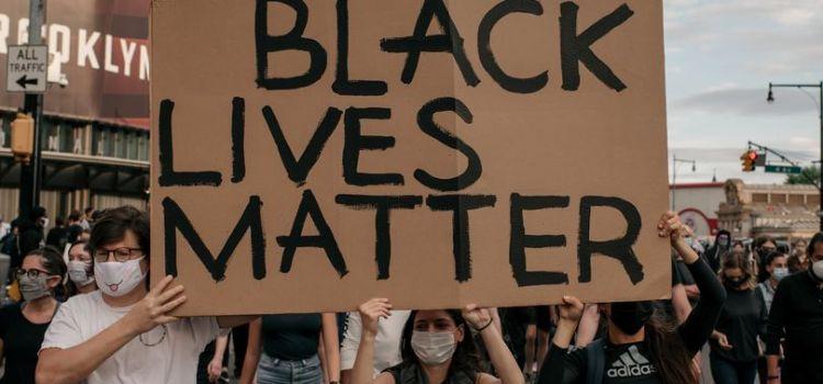 為何在美國將警察定罪如此罕見?檢察官在種族平等正義議題中的重要性
