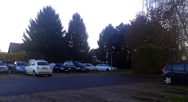 parking lot next to a supermarket .. (click to enlarge ..)