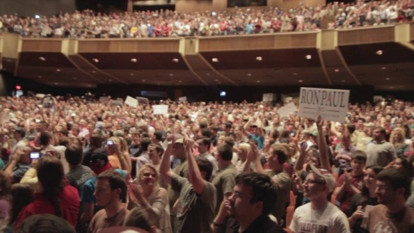 standing-crowd-for-ron-paul