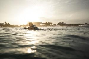jonty-rhodes-surfing