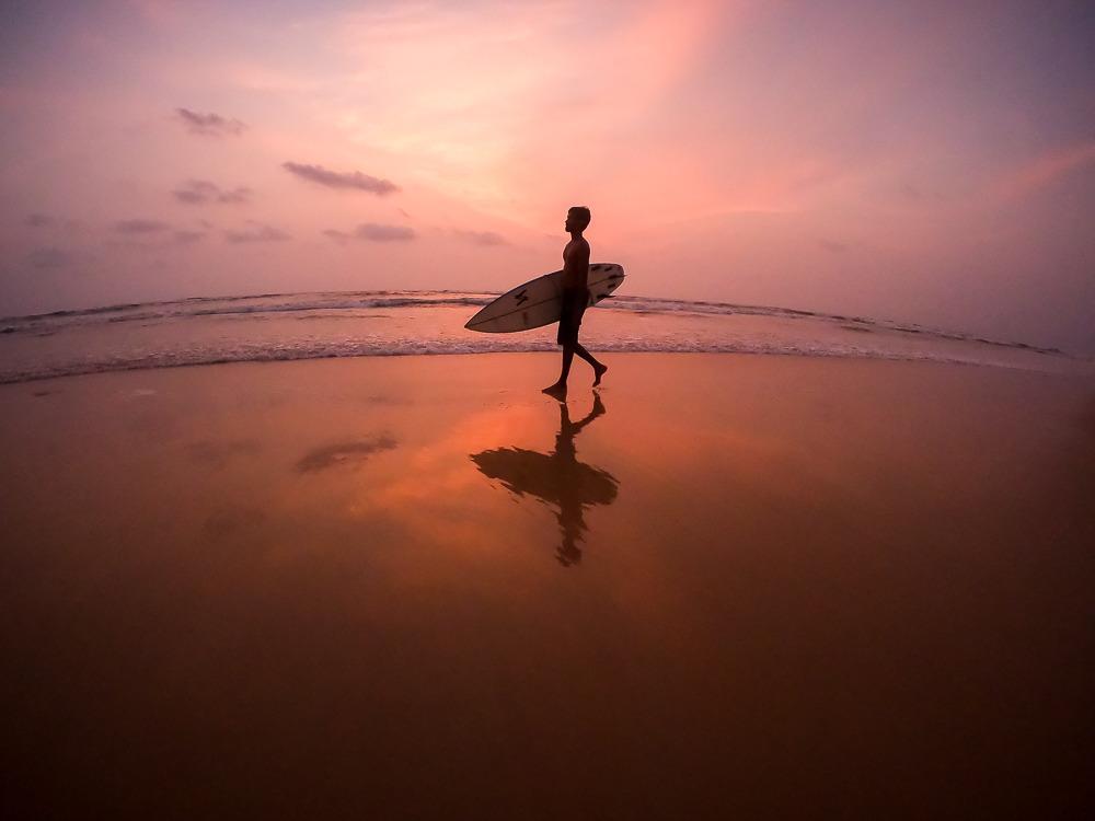 Silhouette Surfer Gopro Hero7