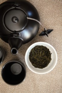 Black teapot, Japanese Sencha green tea, T2 http://whoknewiwasahousewife.com/