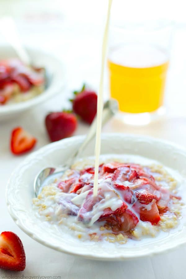 Creamy steel-cut oatmeal and roasted strawberries are a match made in heaven in this filling and heart-healthy breakfast in a bowl!