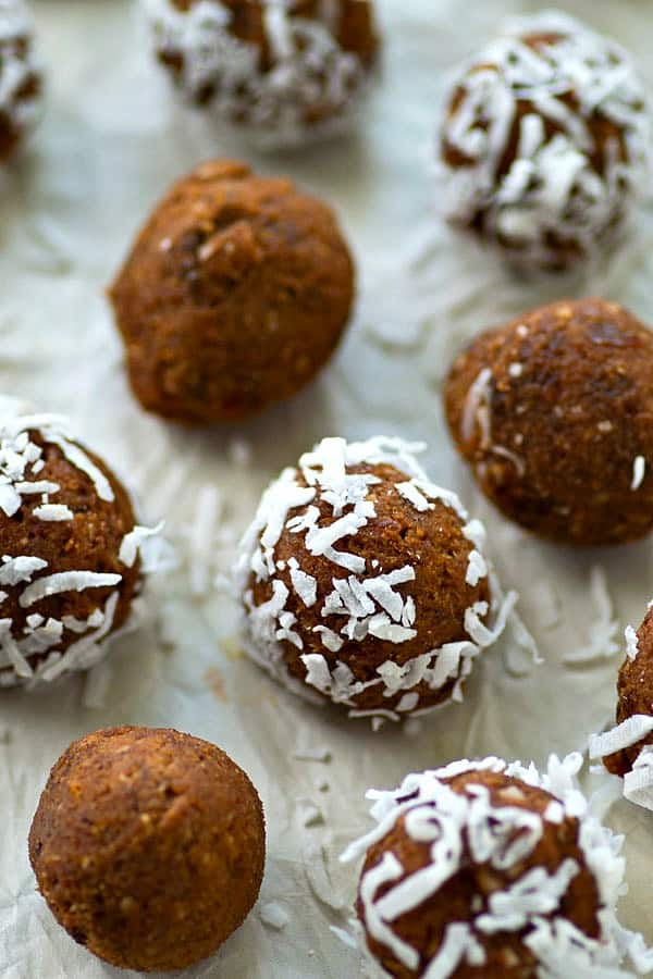 Packed with tons of coffee and chocolate flavors and similar to the texture of a brownie, these no-bake energy bites will keep you going all afternoon!