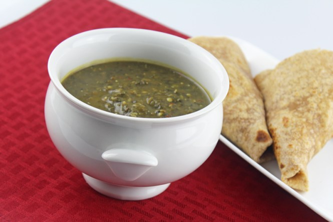 whole-moong-and-spinach-gojju-4
