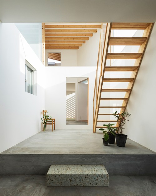 Stark Interior Architecture in Japan; bringing all the science but less of the heart.