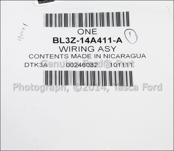 NEW OEM FIXED REAR VIEW CAMERA WIRING ASSEMBLY FORD