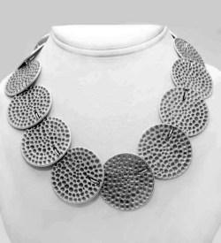 Multi disc necklace