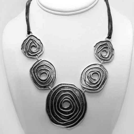 Spiral black necklace