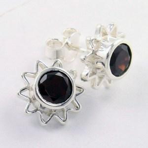Garnet stud earring
