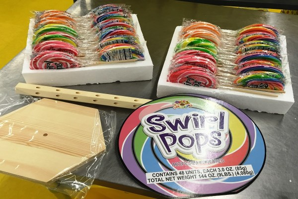 Swirl Pops Tree - Candy Outlet