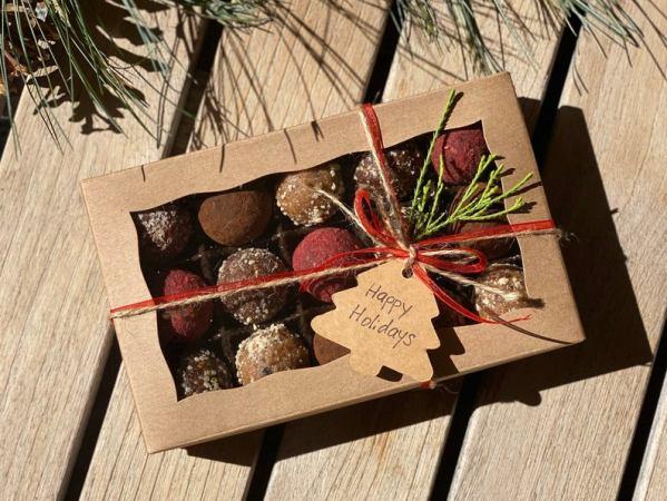 christmas customized chocolate box vegan
