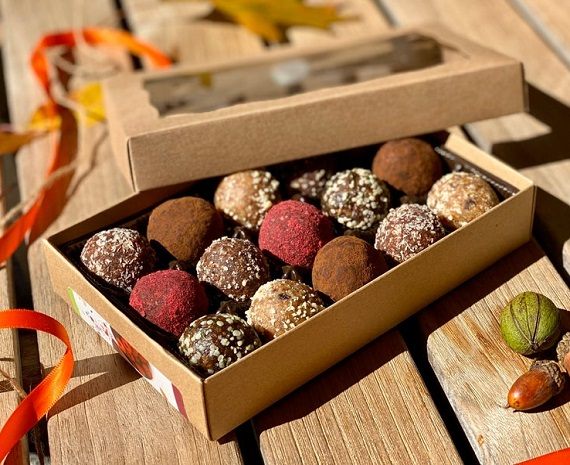 thanksgivig gift boc truffles gf vegan