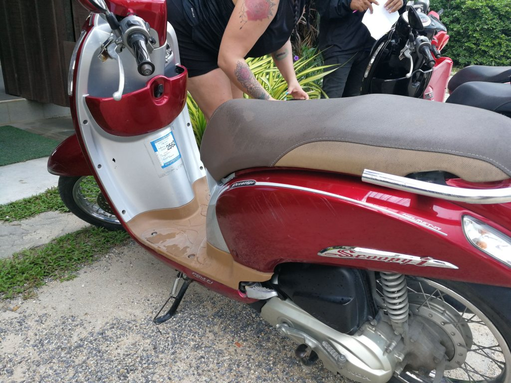 renting scooters from Chiang Mai to Pai, scooters, pai, renting scooters in Thailand