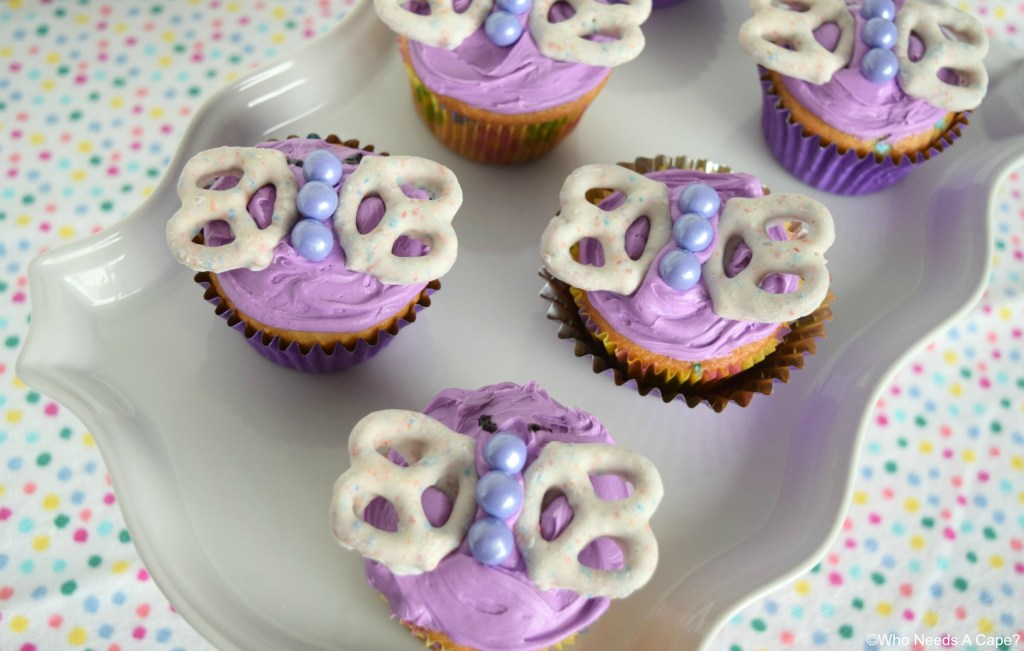 Butterfly Cupcakes are the perfect treat to celebrate spring! Super fun and cute dessert for kids birthday parties or showers.