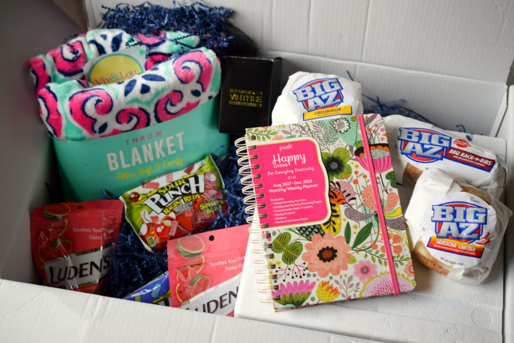 Kids heading off to college? You simply must check out the College Essentials from Babbleboxx, we found so many great items that our student loved!