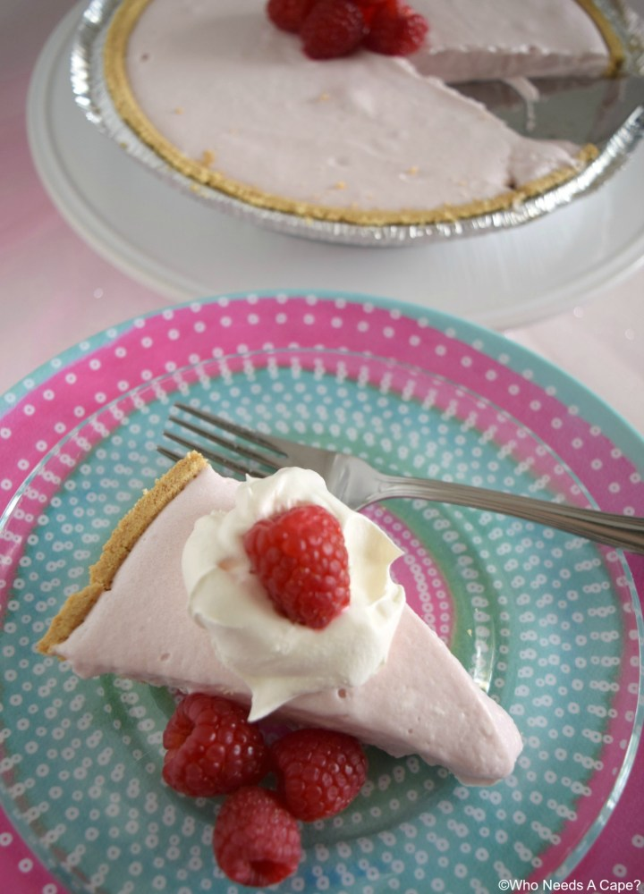 Raspberry Lemonade No-Bake Pie