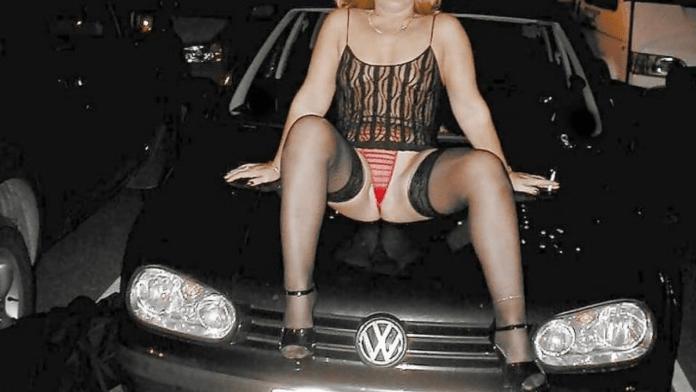 UK Dogging sex scene single women