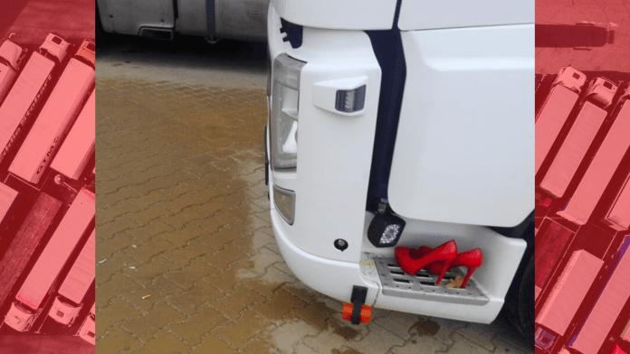 Truck stop women keep it classy!