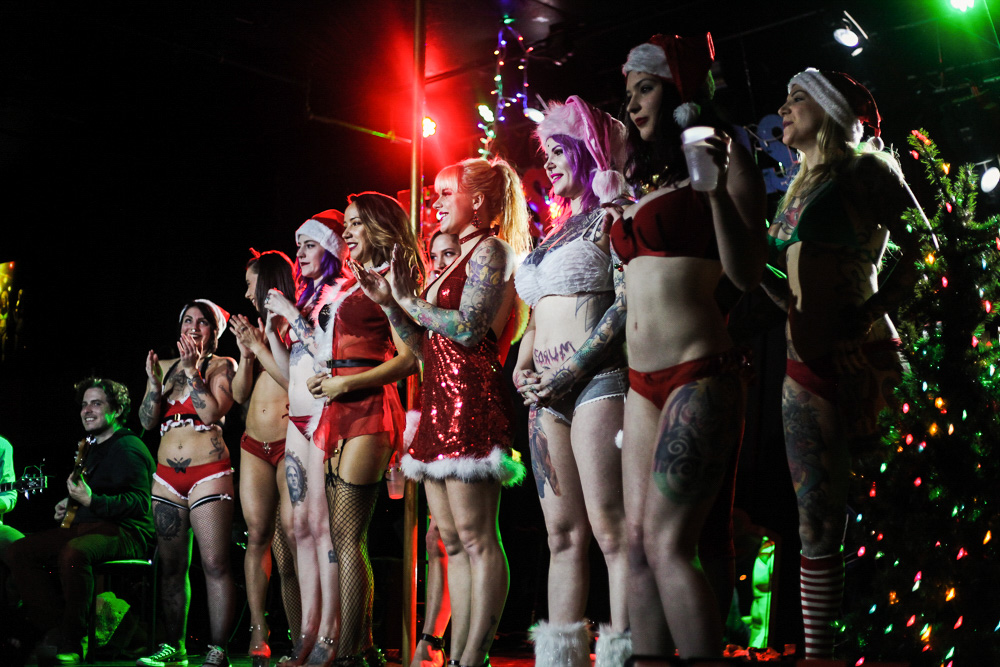 """""""Tatas for Toys"""" PDX Portland strippers strip club stripper comedian Aaron Ross Dante's charity benefit funny late-night talk show"""