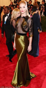Stunning! Sleek, understatedly sexy. Glamorous Gucci.Great choice for her.
