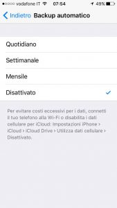 frequenza backup automatico whatsapp iphone