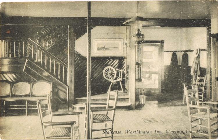 Worthington-Inn-8-staircase-LR