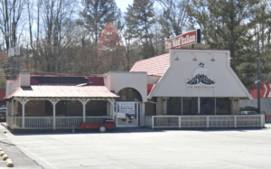 Lease signed for new Cajun Blues at Savoy Drive Location