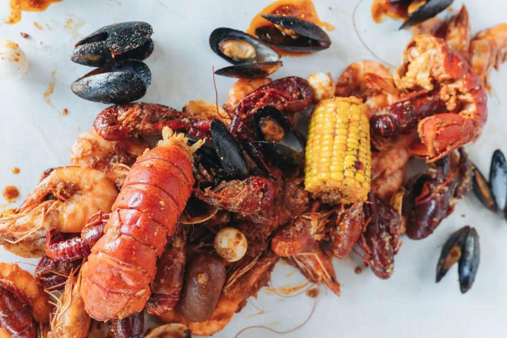 Cajun Seafood Eatery Crab-Walks to Summerlin