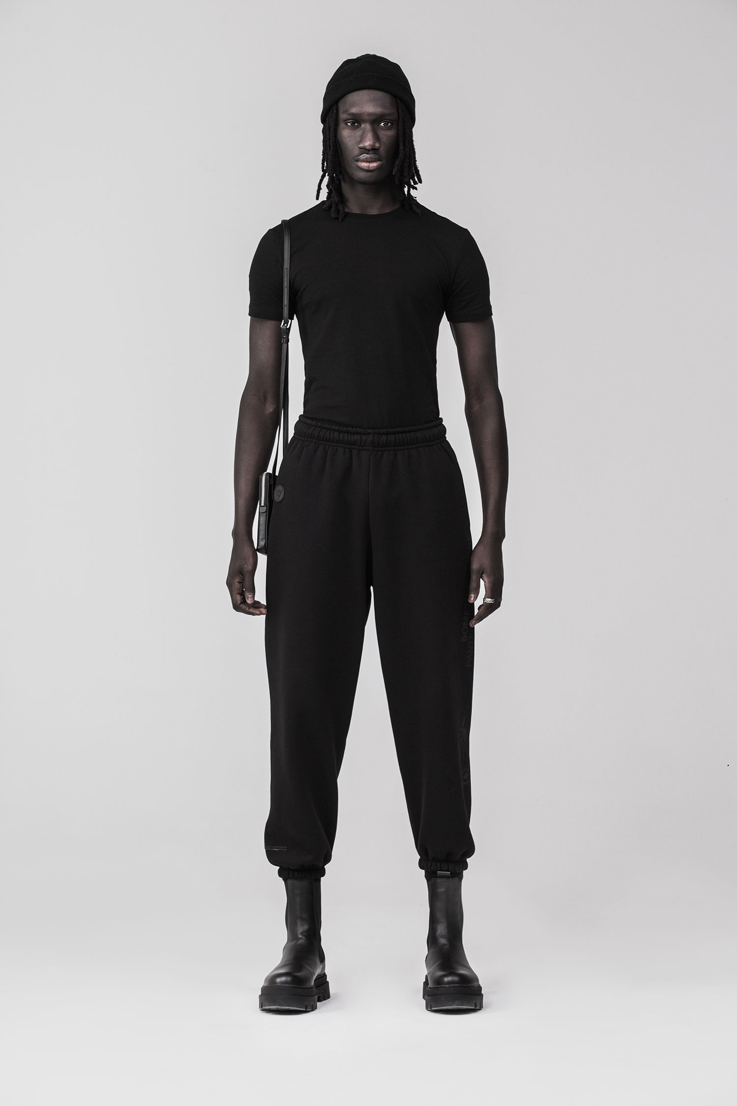 REND_Joggers-black-frontal