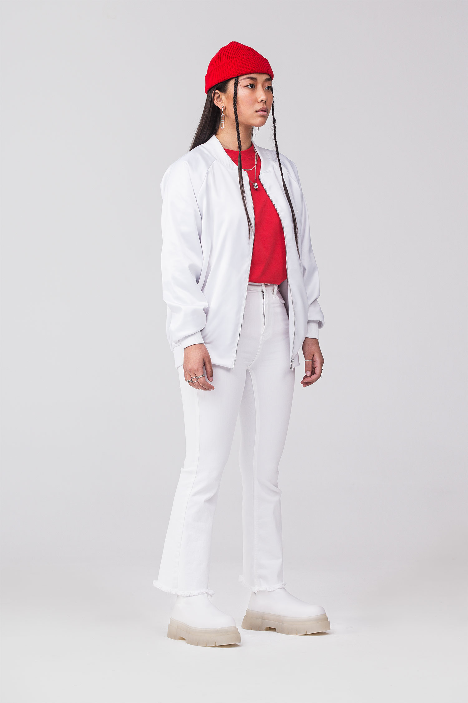 REND_Red-032-white-frontal