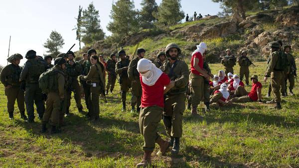 ISRAEL-PALESTINIAN-ARMY-DRILL